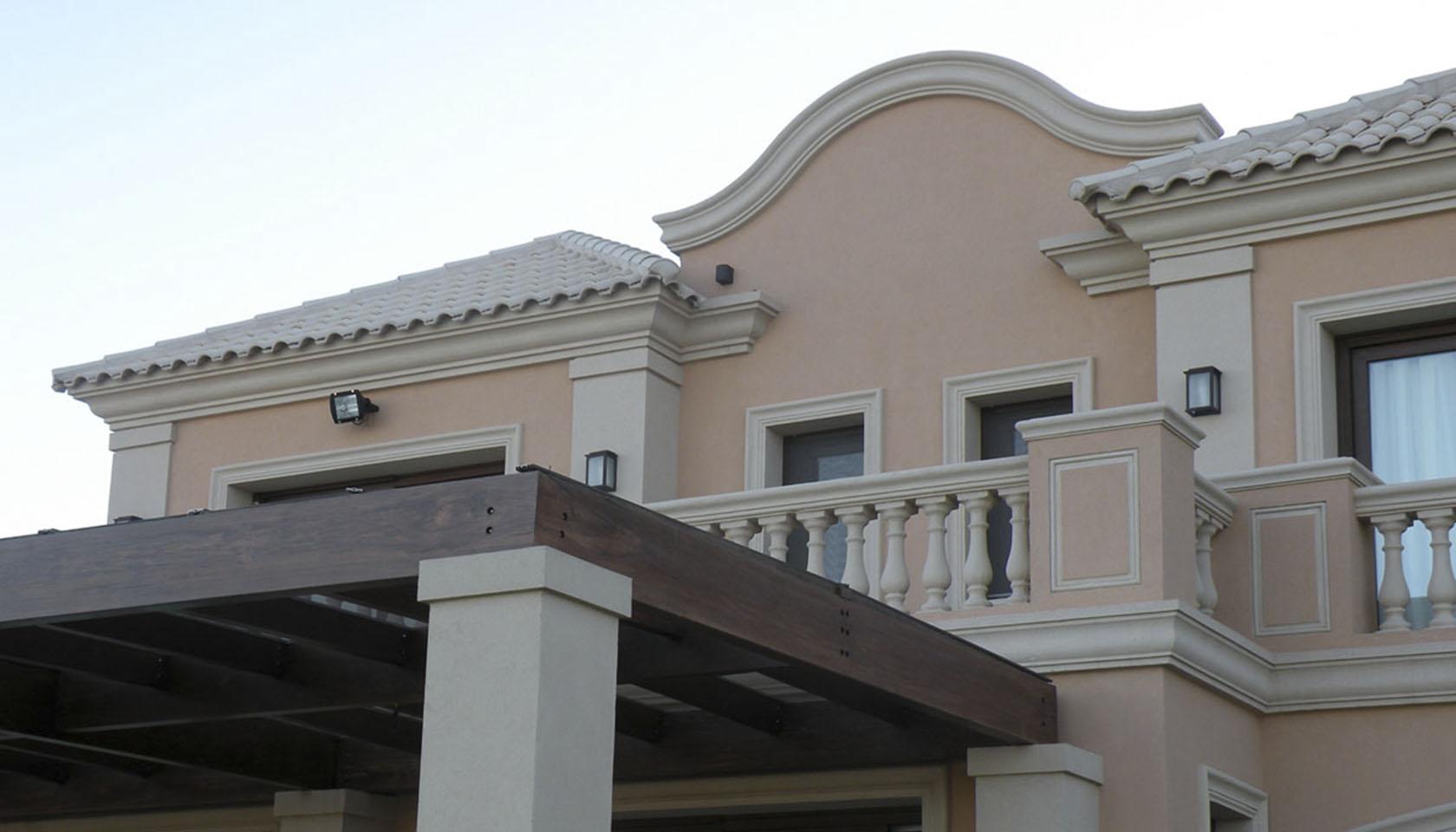 casas con tejas, tejas blancas, fachadas coloniales modernas