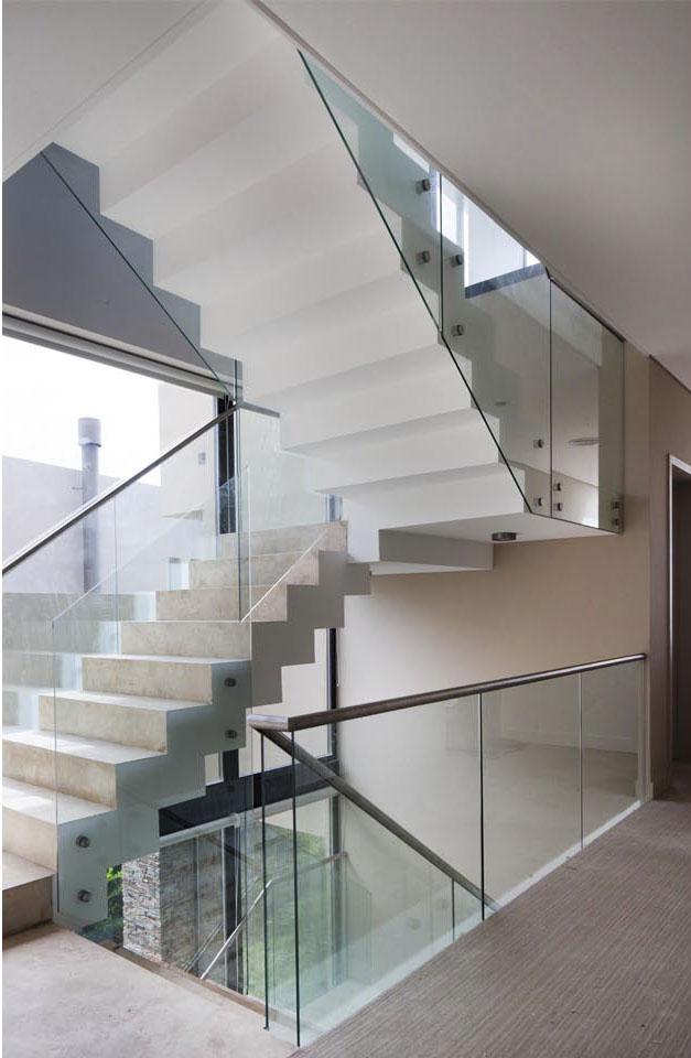 barandas modernas, diseño de escaleras, barandas de vidrio en escaleras