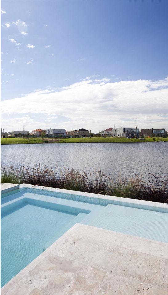 casas con vista al lago, diseño de piletas