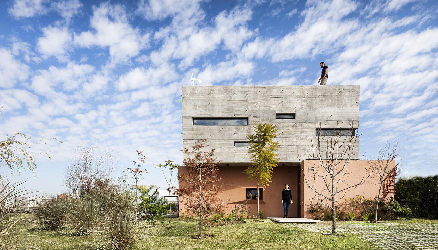 casas color salón, casas con fachadas modernas, casas con hormigón a la vista