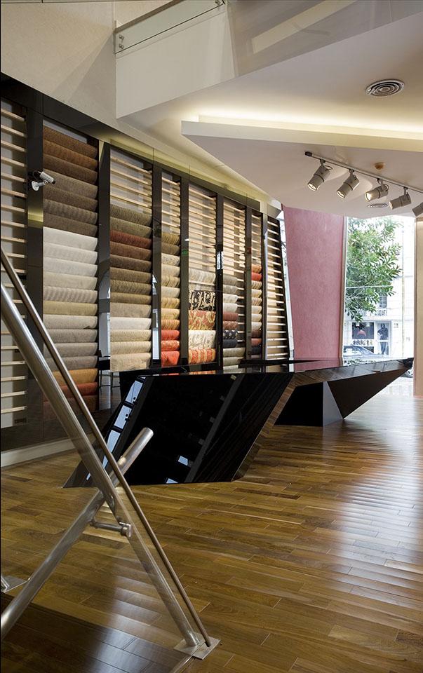 Muebles modernos en locales, diseños de locales contemporáneos, interiores cálidos en locales comerciales